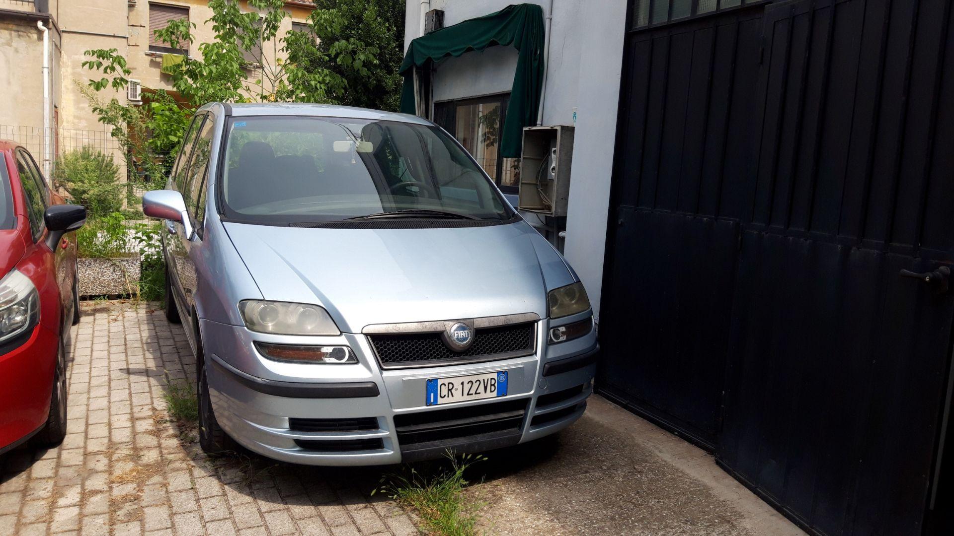 Lot 5 - N. 3 (ES. N° 475/19 IVG N° 5.670) AUTOVETTURA FIAT ULYSSE TG. CR 122 VB, ANNO IMM.2005, GASOLIO €