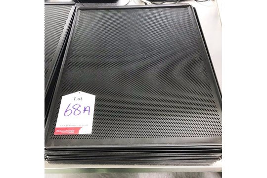 Lot 8 - 20 x Commercial Bakery Cooling Trays | Size: 645mm x 530mm
