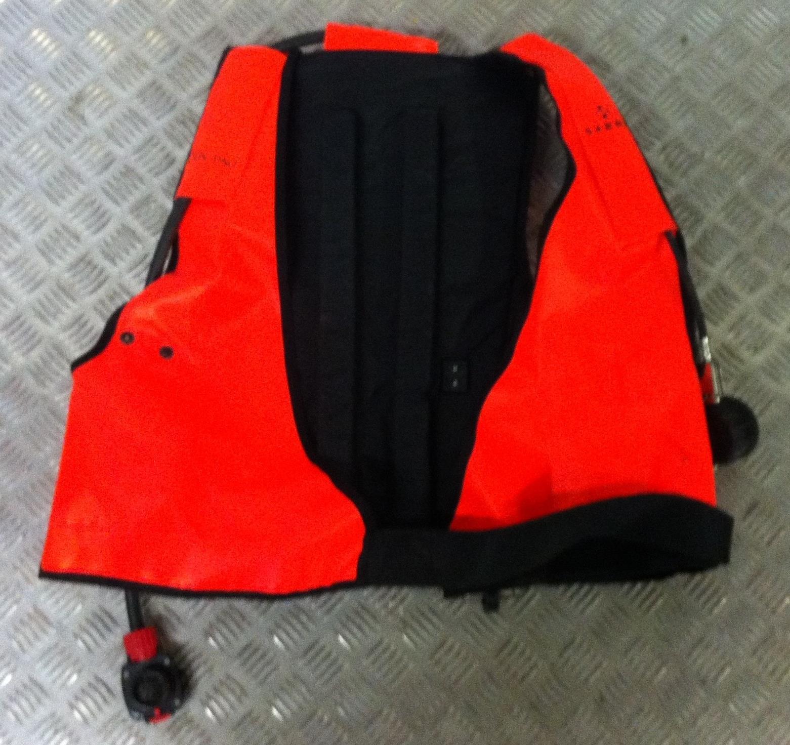 Lot 17 - Sabre Cenpaq Jacket Breathing Set