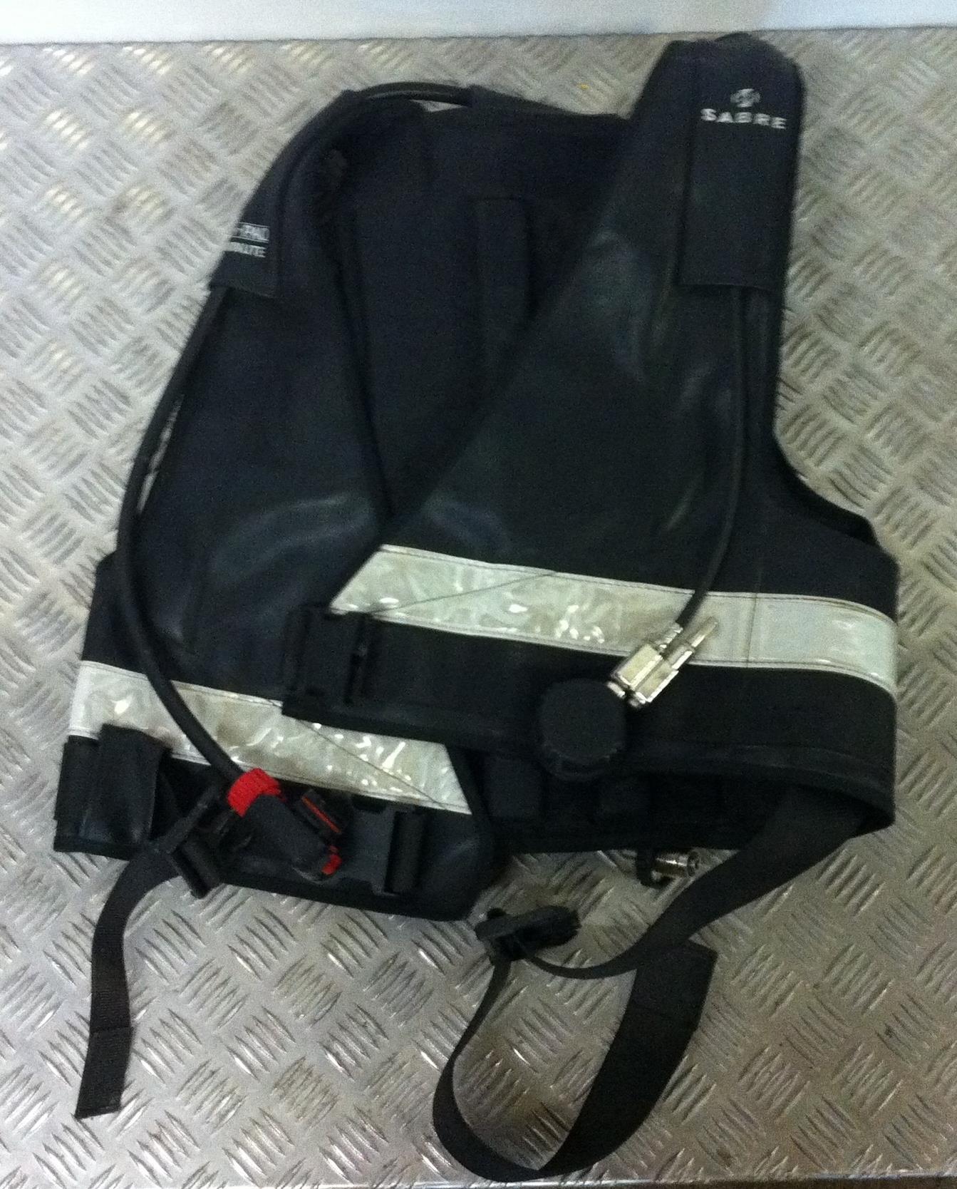 Lot 15 - Sabre Cenpaq Jacket Breathing Set