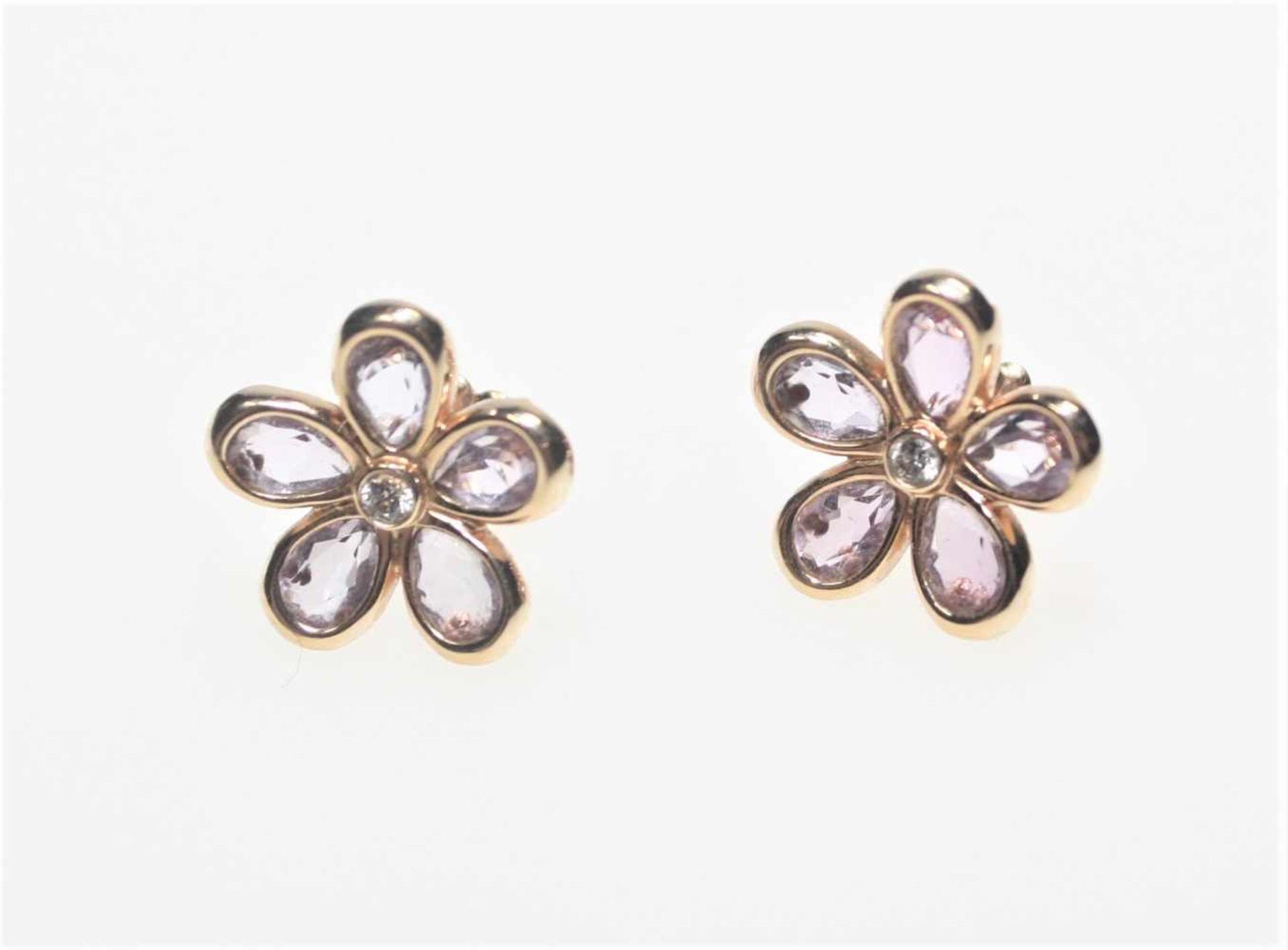"""Goldene Blütenohrstecker 750/f gest. signiert """"T & Co"""", Tiffany, fünf Blütenblätter mit"""
