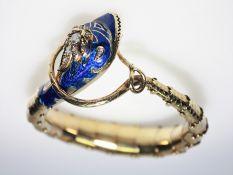 Älterer, goldener Schlangenarmreif 56 russ. gest., Kopf blau emailliert, Emaille in guter Erhaltung,