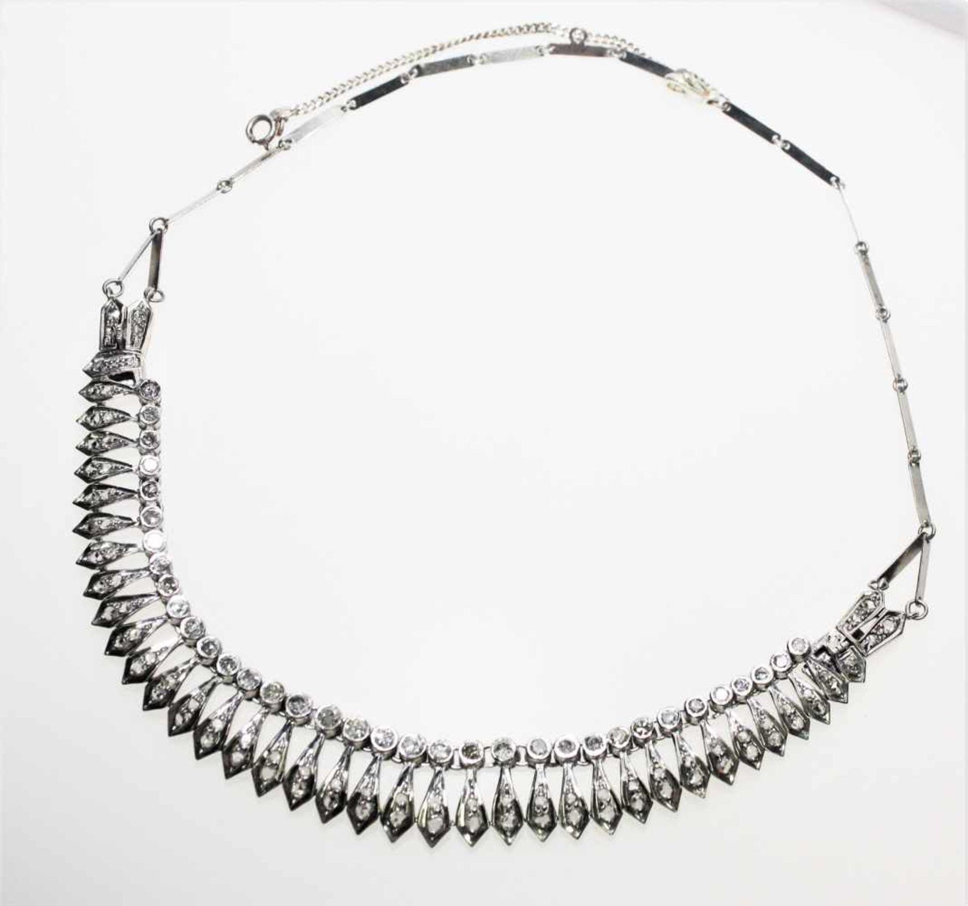 Älteres, silbernes Collier mit Diamanten in altem Achtkantschliff zus.ca. 2,20 ct Piqué und