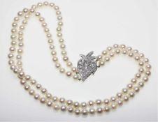 Zweireihiges Zuchtperlcollier, Perldurchmesser ca. 7,2 – 7,4 mm, Perlen in gutem Lüster,