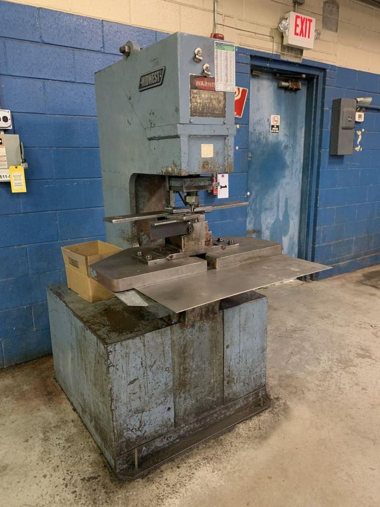 Lot 1 - 50 Ton Midwest Hydraulic Single Station Punch Model 50 P.O.