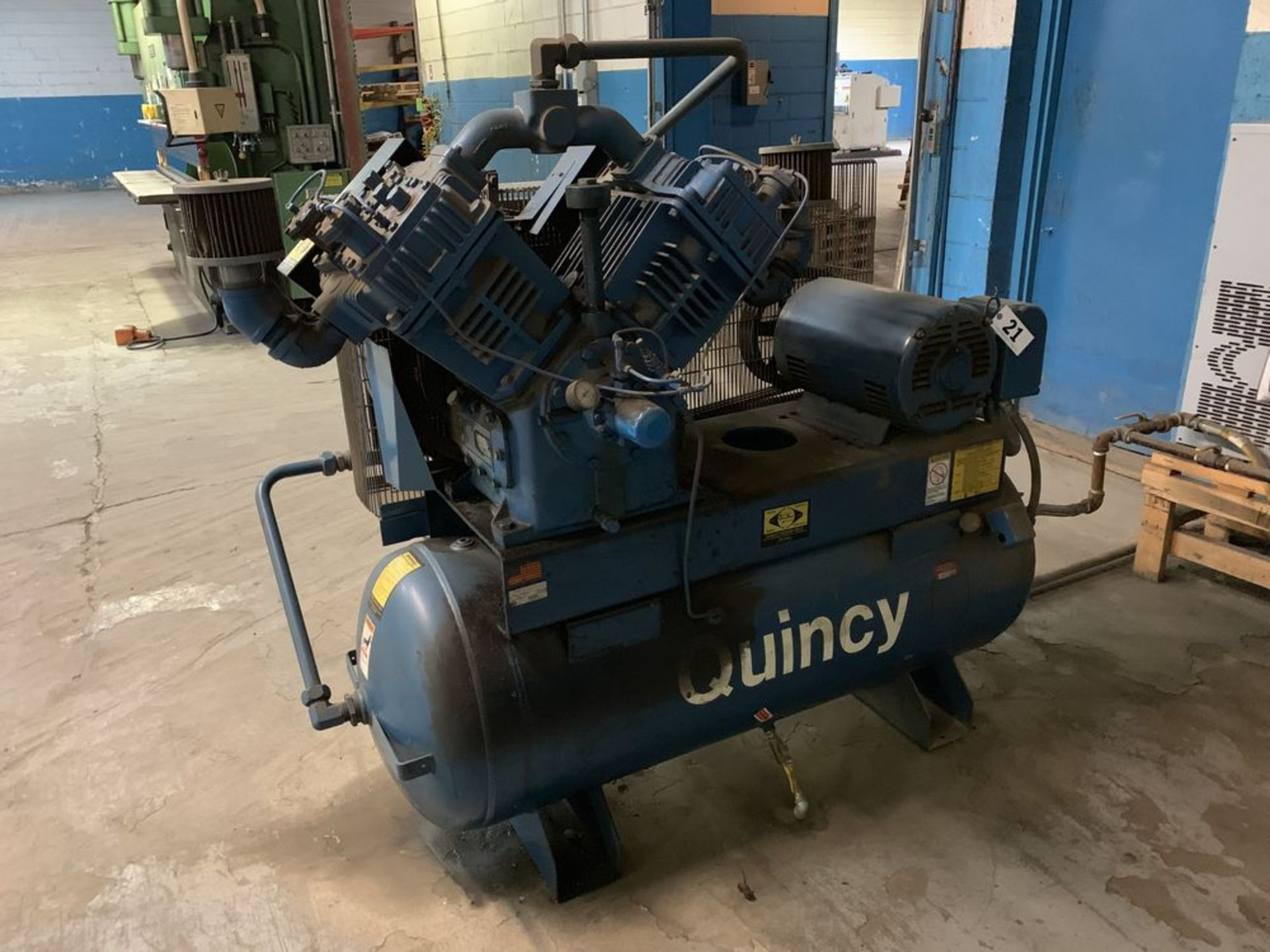 Lot 21 - 25 HP Quincy Ar Compressor Model MQR5120ST25HP