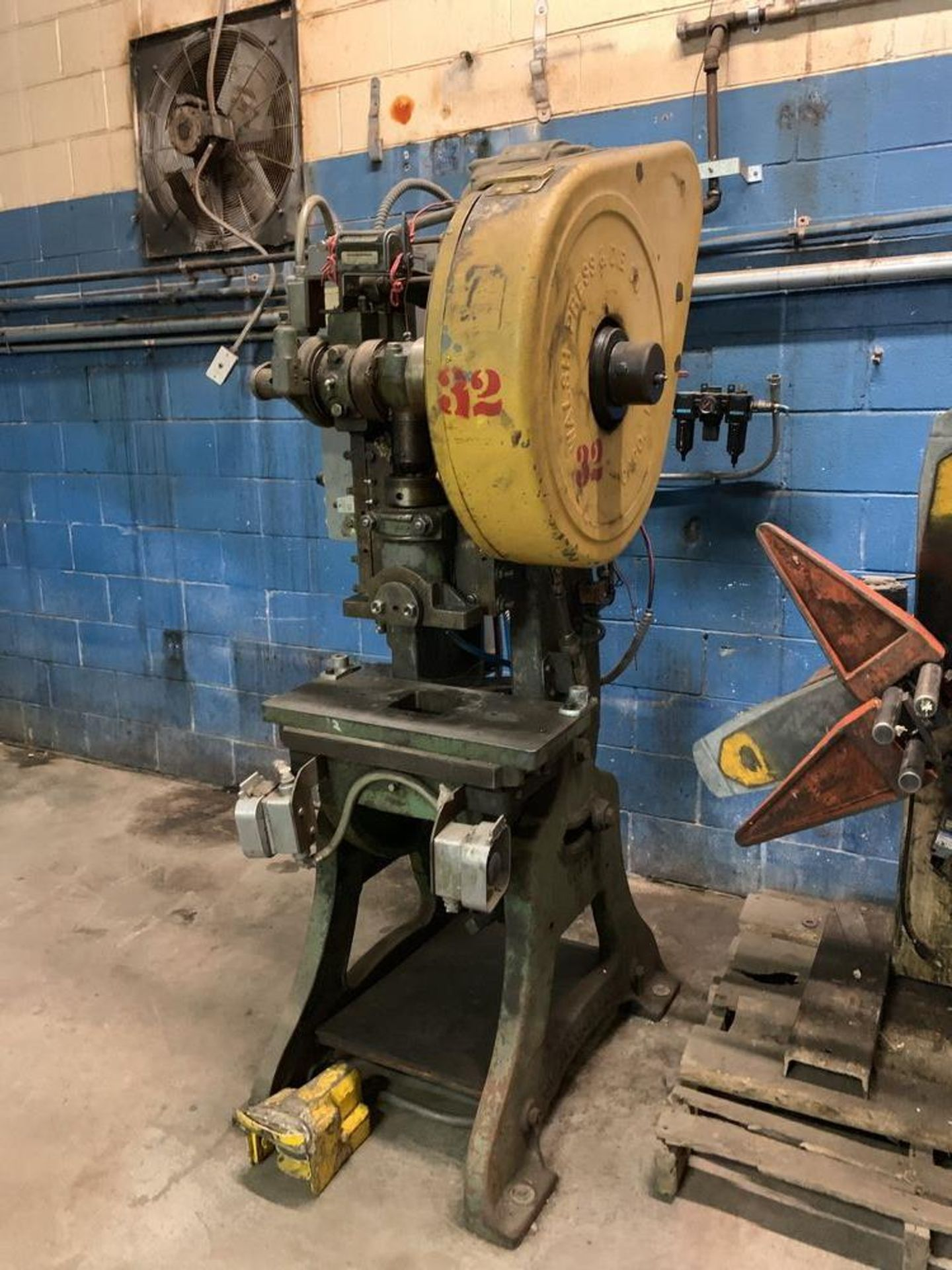 Lot 9 - Walsh Air Actuated Mechanical Clutch O.B. I. Press