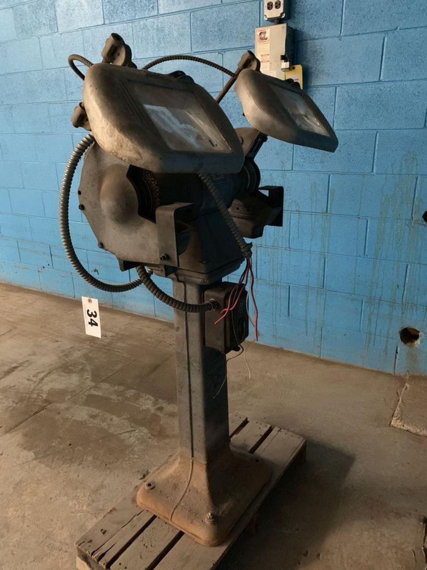 Lot 34 - Pedestal Grinder