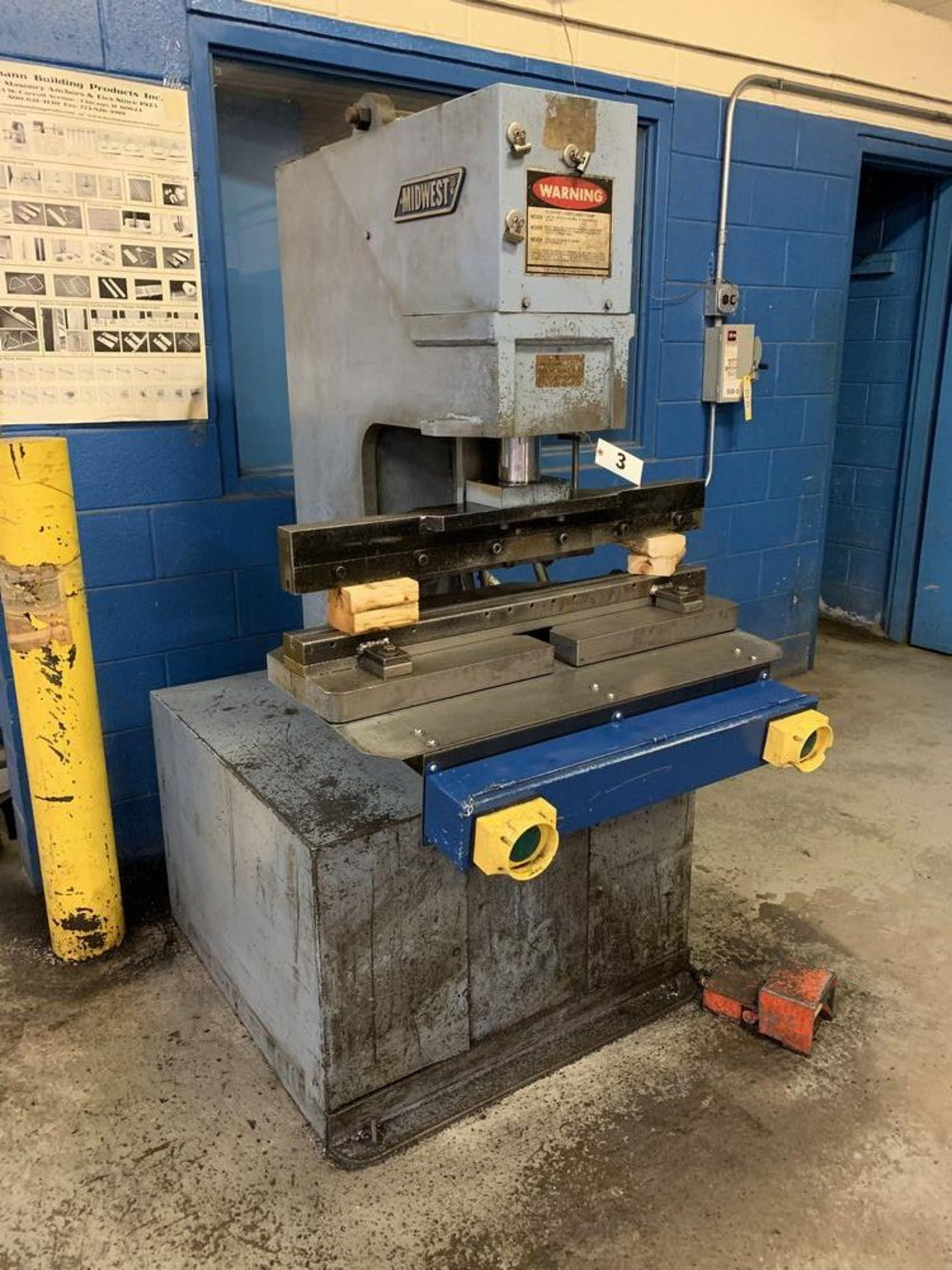 Lot 3 - 50 Ton Midwest Hydraulic Single Station Punch Model 150-50PO