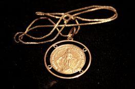 Collier en or jaune 750/18 ct avec médaille mariale - Poids : 12,1 g - Yellow gold [...]