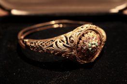 Bracelet en or jaune 750/18 ajouré muni d'une montre pivotante (SWANA) - Poids : 32 [...]