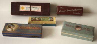 Ensemble de 5 harmonicas anciens (années 20) dans leur boîte d'origine d'époque et [...]