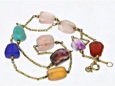 Kette: goldene vintage Halskette mit unterschiedlichen Farbsteinen, 60er JahreCa. 40cm lang, ca.