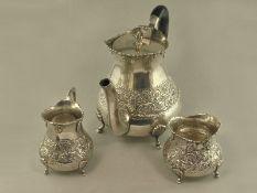 Teeservice: antikes Teeservice, massiv Silber1. Kanne ca.14cm hoch, 2. Milchkännchen ca.7,5cm