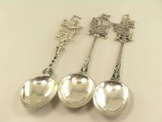 Silber: 3 antike figürliche Löffel, maritime Motive, Silber, verm. HollandJeweils ca. 22cm lang,
