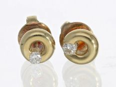 Ohrschmuck: dekorative, zierliche Brillant-Ohrstecker, 0,10ct.Ca. Ø6mm, ca. 2,2g, 14K Gold,