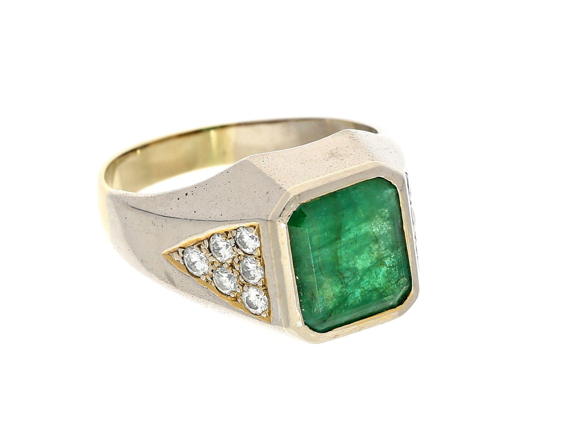 Ring: breiter, hochwertiger vintage Goldschmiedering mit Smaragd und BrillantenCa. Ø19mm, RG60,