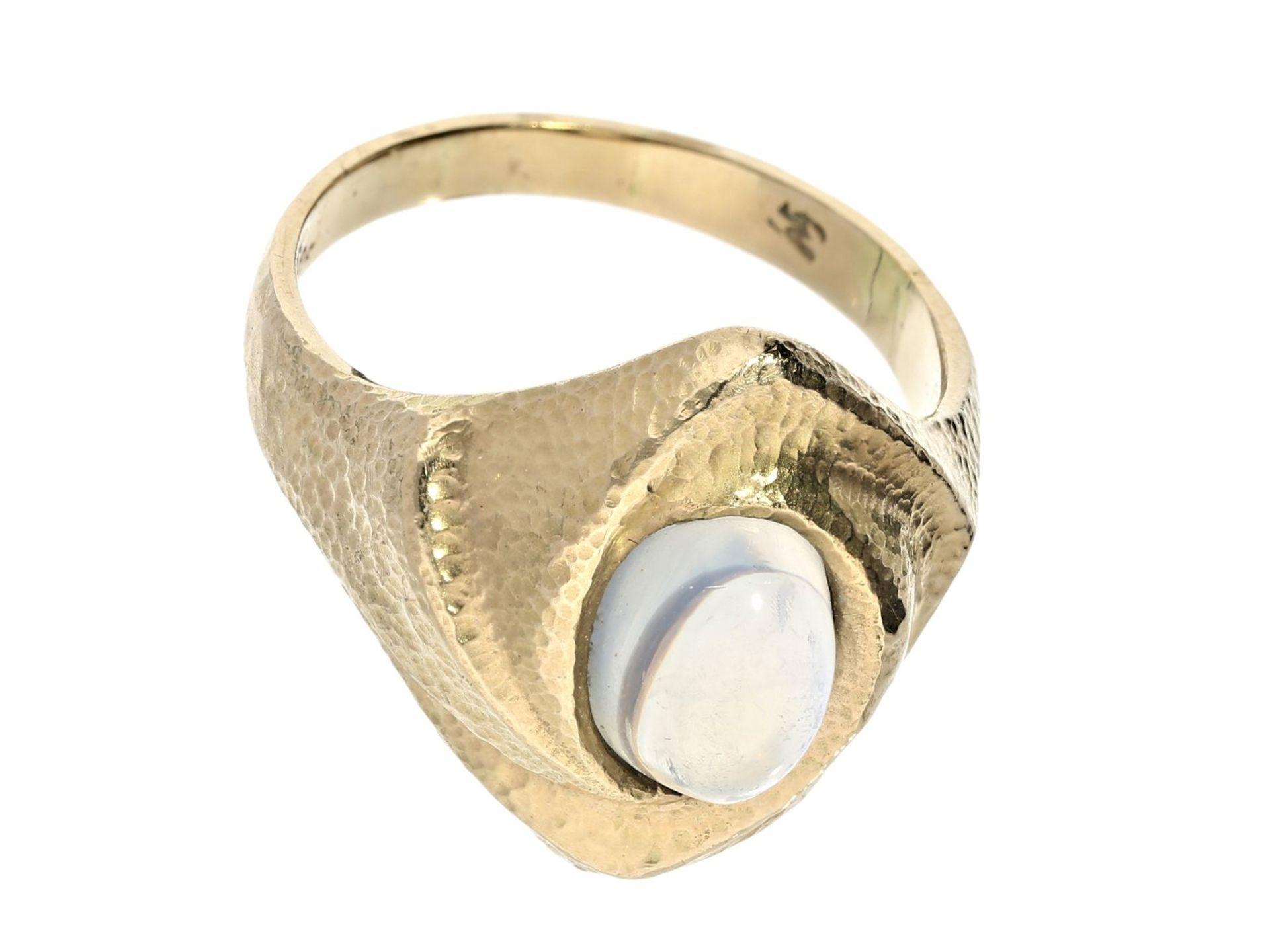 Ring: solider vintage Goldschmiedering mit MondsteinCa. Ø19mm, RG60, ca. 8g, 14K Gold, der - Bild 2 aus 2