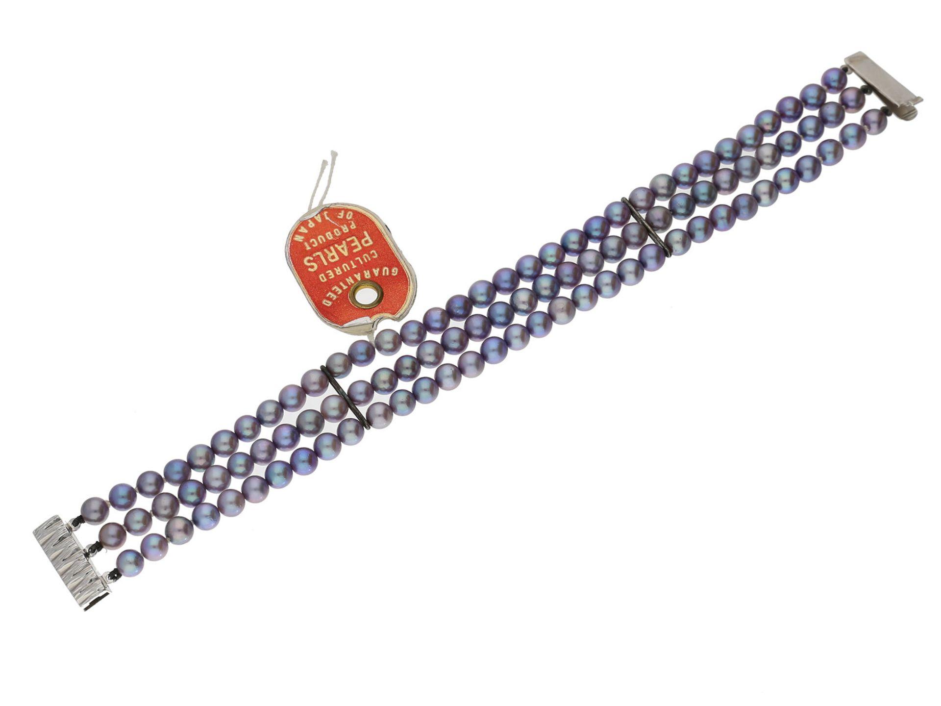Armband: neuwertiges, 3-reihiges Perlenarmband mit schöner SilberschließeCa. 19cm lang, ca. 18mm