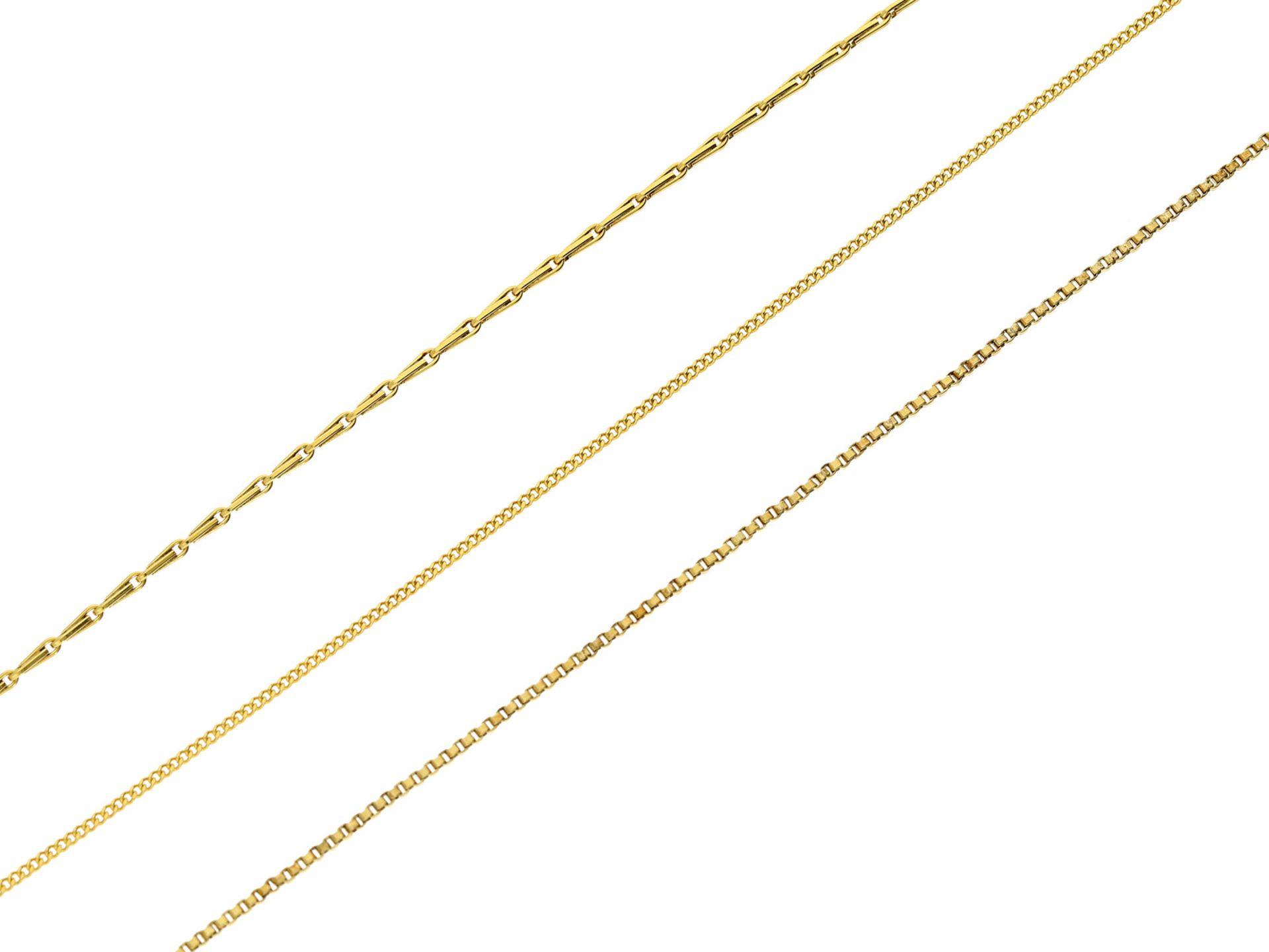 Kette/Collier: goldene, feine und neuwertige CollierkettenGesamtgewicht ca. 10,4g, 14K Gelbgold, 2