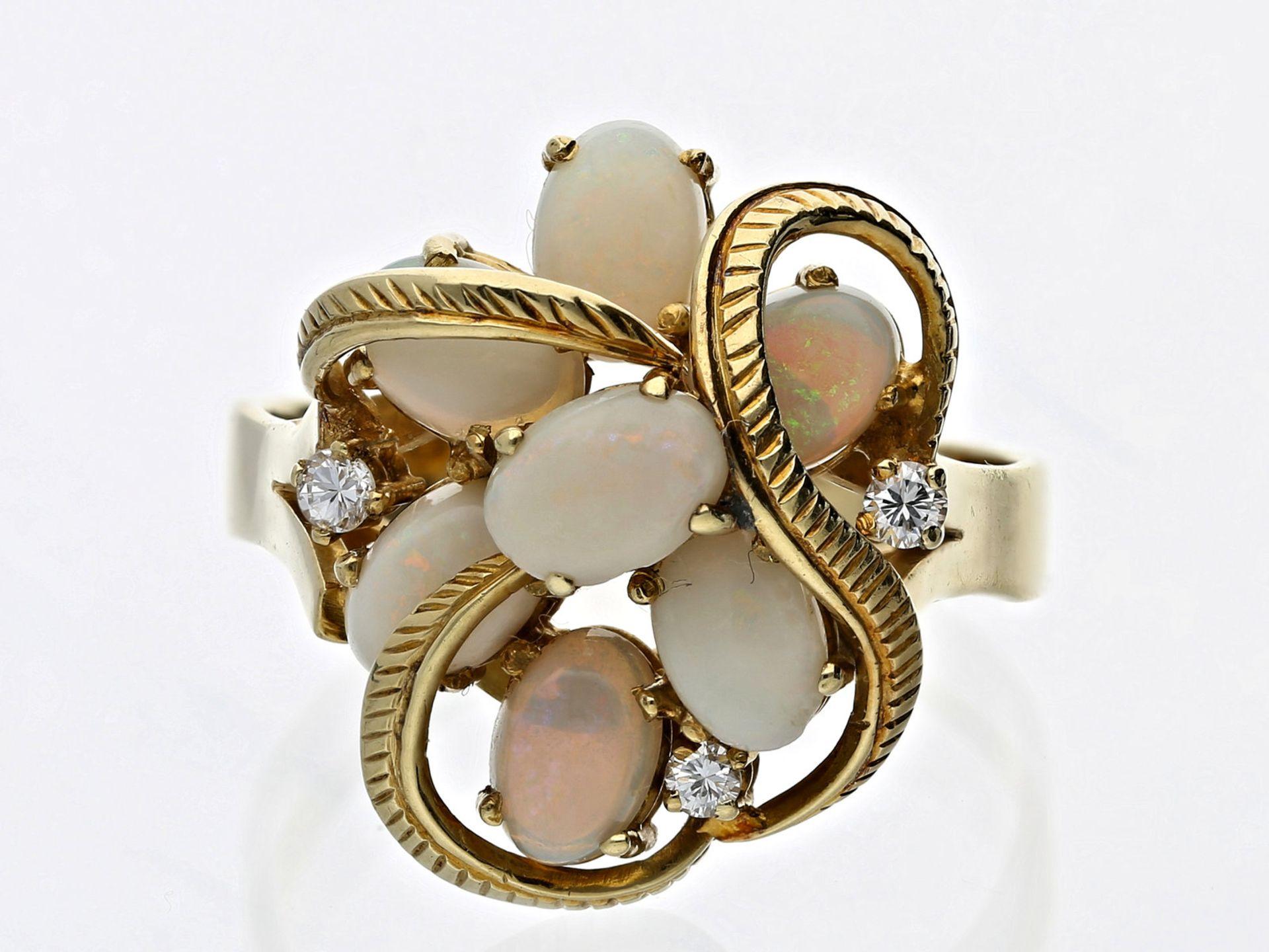 Ring: aussergewöhnlicher vintage Opal/Brillant-GoldschmiederingCa. Ø20mm, RG62, ca. 7,7g, 14K