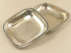 Silber: 2 vintage Silberschalen, 800er Silber.Ca. 13 × 13cm, ca. 210g, graviert.