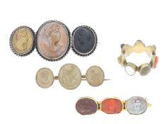 Ring/Brosche: interessantes, seltenes Konvolut Antikschmuck mit insgesamt 16 antiken Kameen,