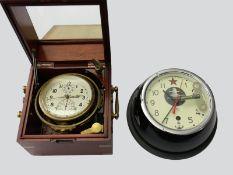 Marinechronometer: Konvolut von 2 nautischen Uhren, inklusive Marinechronometer 1. Moskauer