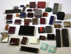 Uhrenbox/Uhrenetui/Schmucketui: großes Konvolut vintage und antike Uhrenboxen für Taschenuhren,