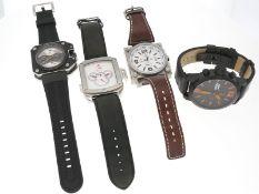 Armbanduhr: Konvolut von 4 ungetragenen, technisch komplizierten Designer-Uhren, dabei 2