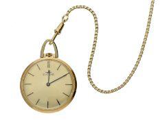 Taschenuhr: vintage Frackuhr der Marke Dugena an langer goldener Uhrenkette, ca. 1960Ca. Ø34mm,