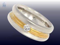 Ring: sehr solide gefertigter Bicolor-Goldschmiedering mit Brillant, Handarbeit aus 950er Platin,