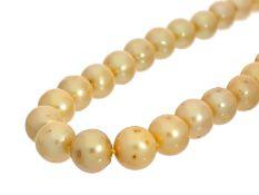 Kette/Collier: goldgelbe Zuchtperlenkette mit Sterling-SilberschließeCa. 46cm lang, ca. 107,7g,