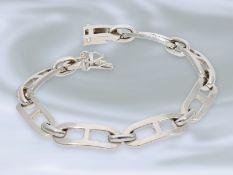 Armband: ausgefallenes, weißgoldenes Goldschmiedearmband, Handarbeit aus 18K WeißgoldCa. 19cm