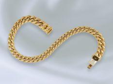 Armband: sehr massive Goldschmiedearbeit, bez. Handarbeit, 18K GoldCa. 23cm lang, ca. 68,2g, 18K