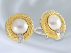 Ohrschmuck: vintage Ohrclips mit Brillanten und Mabèperlen, 18K Gold, italienische