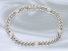Armband: sehr schön erhaltenes und hochwertiges Panzerarmband mit Brillanten von hoher Qualität, 0,