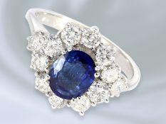 Ring: weißgoldener, feiner vintage Damenring mit schönem Saphir und Brillantbesatz, Handarbeit aus