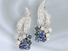 Ohrschmuck: äußerst dekorative und sehr aufwändig gefertigte Saphir/Brillant-Ohrclips aus 18K