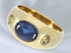 Ring: klassischer vintage Bandring mit Saphir und fancy Brillanten, solide Goldschmiedearbeit aus