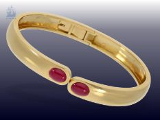 Armreif: vintage Rubin-Armspange, Handarbeit aus 18K Gold, ca. 2,5ct RubineCa. Ø60mm, ca. 22,1g, 18K