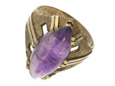 Ring: dekorativer vintage Goldschmiedering mit Amethyst, 50er JahreCa. Ø18,5mm, RG58, ca. 7g, 14K
