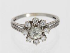 Ring: feiner, hochwertiger vintage Blütenring mit Diamanten, insgesamt ca. 1,16ct, 14K WeißgoldCa.