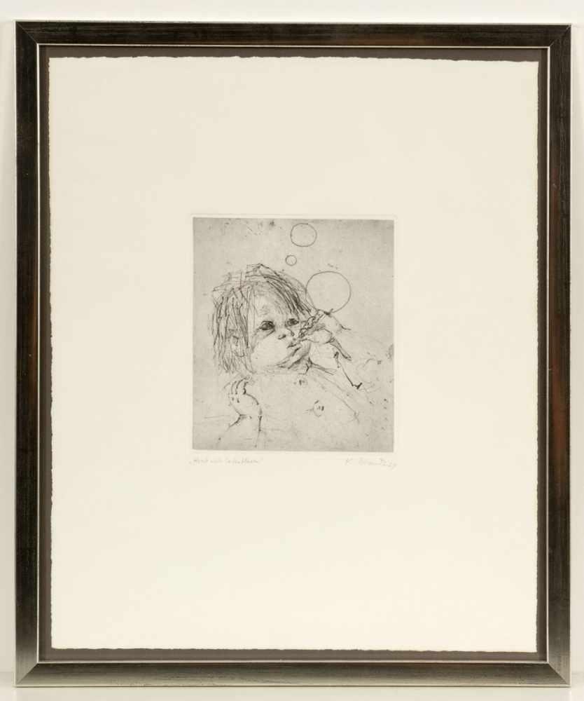"""Lot 3 - Katrin Beck-Brandt1942 Bad Homburg - """"Kind mit Seifenblasen"""" - Radierung/Papier. 19,3 x 16,7 cm,"""