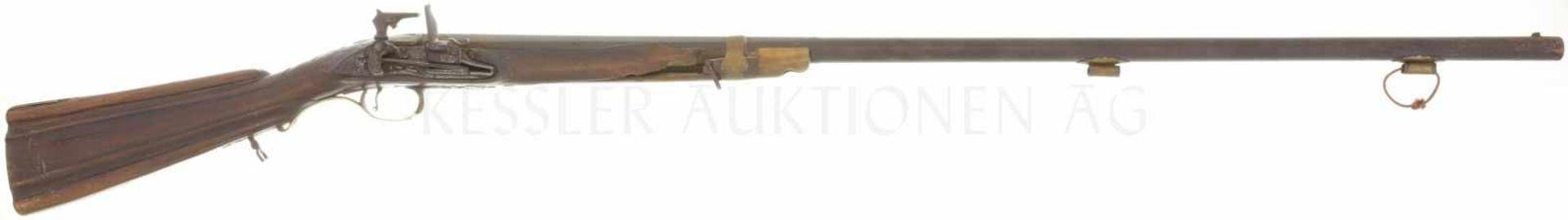 Jagdflinte mit Miqueletschloss, spanisch, Kal. 17.6mm LL 1010mm, TL 1380mm, Rundlauf, hinterer