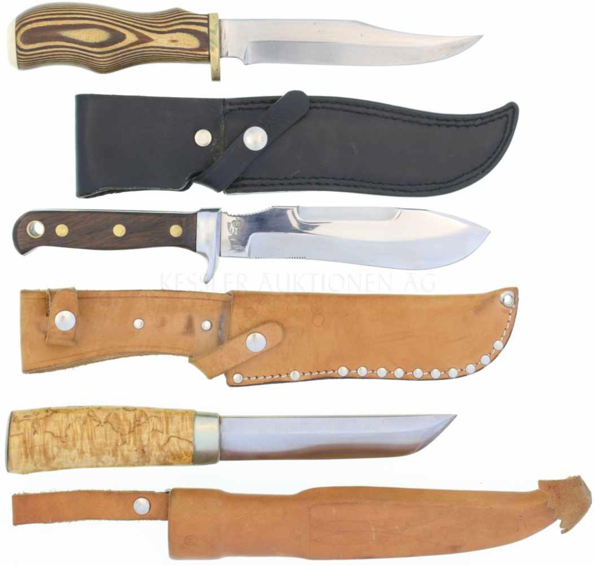 Los 39 - Konvolut von 3 Messern 1. Finnenmesser von J.Martiini, KL 138mm, TL 260mm, Rückenklinge in Tantoform