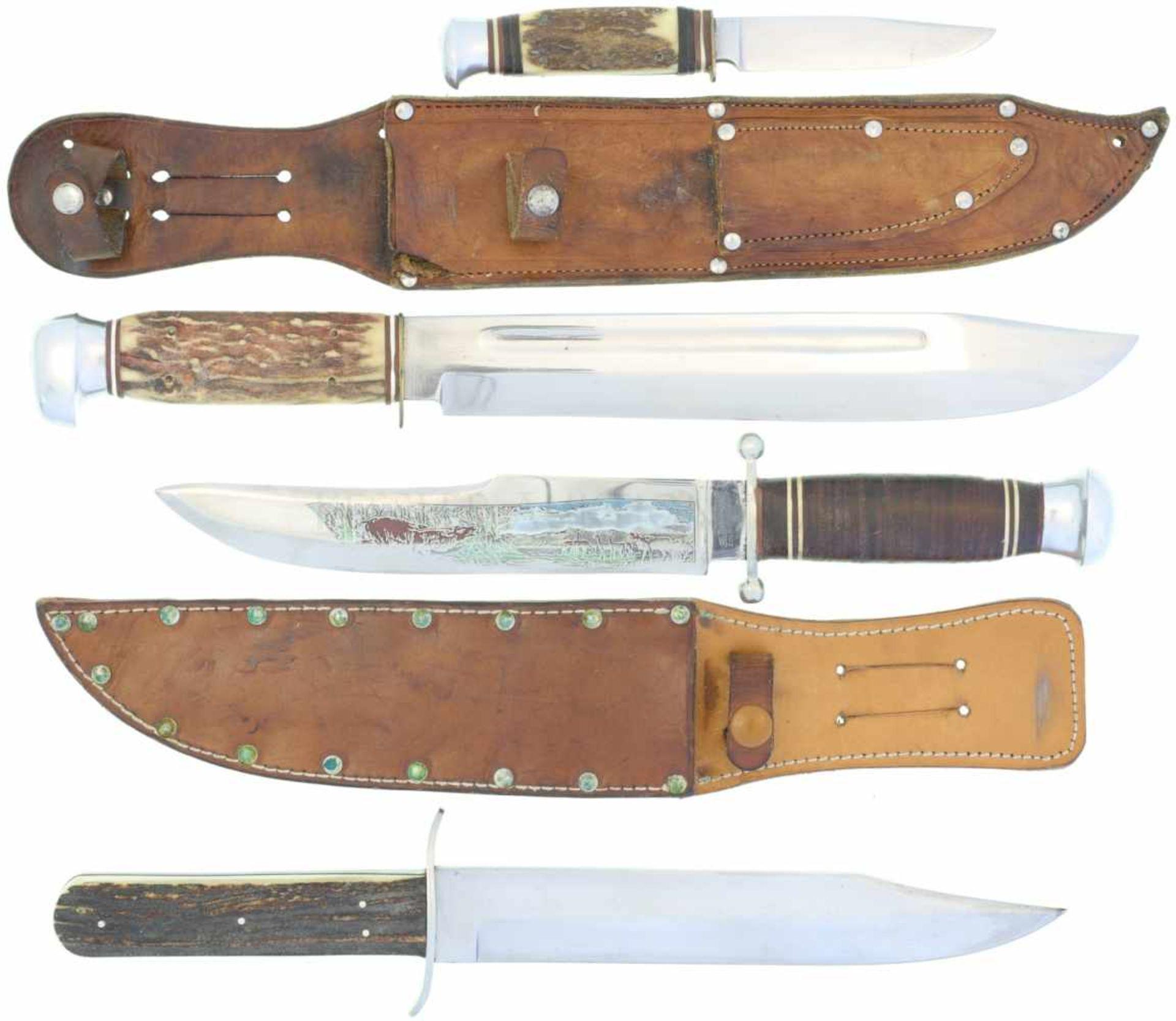 Los 40 - Konvolut von 3 Bowiemessern und 1 Fahrtenmesser 1. Weber Solingen, KL 258mm,TL 382mm, Rückenklinge