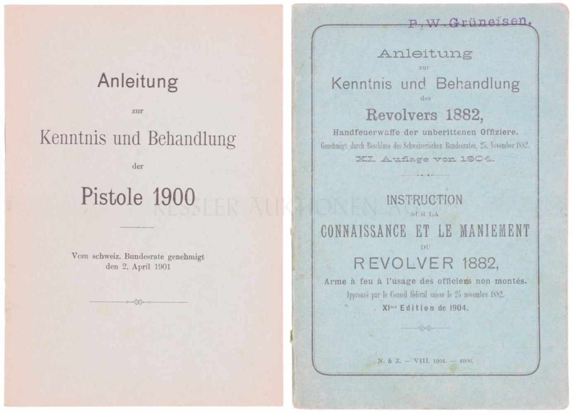 Konvolut von 2 Bedienungsanleitungen zur Pistole 1900 und Revolver 1882 1. Neudruck von 1971 der