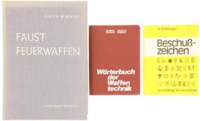 Konvolut von 3 Waffenfachbüchern 1. Wörterbuch der Waffentechnik, Englisch-Deutsch / Deutsch-