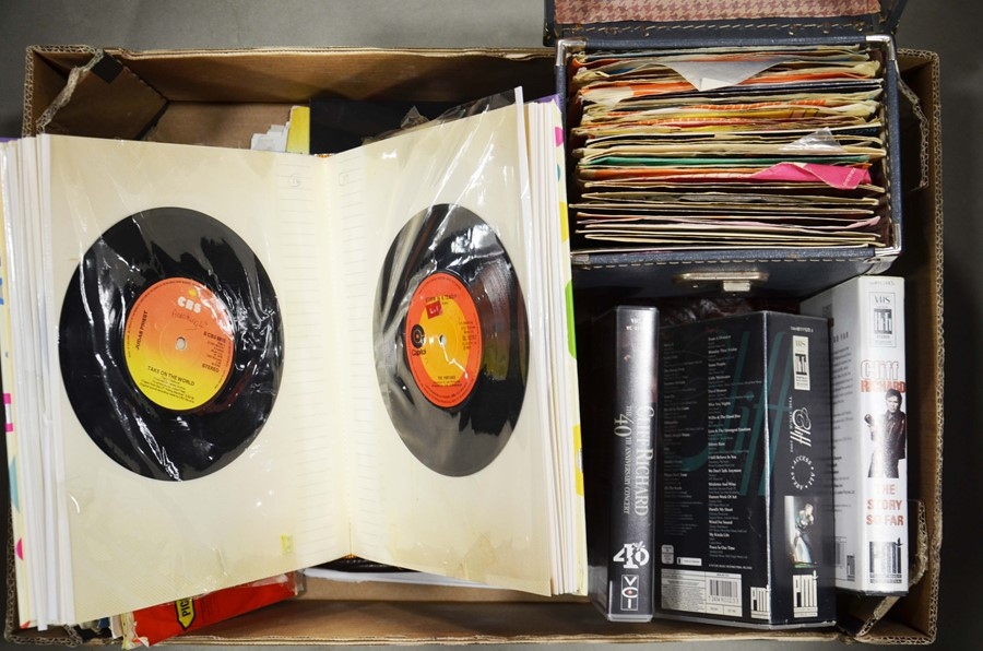 Lot 33 - A selection of 45rpm records including Blondie, Ab